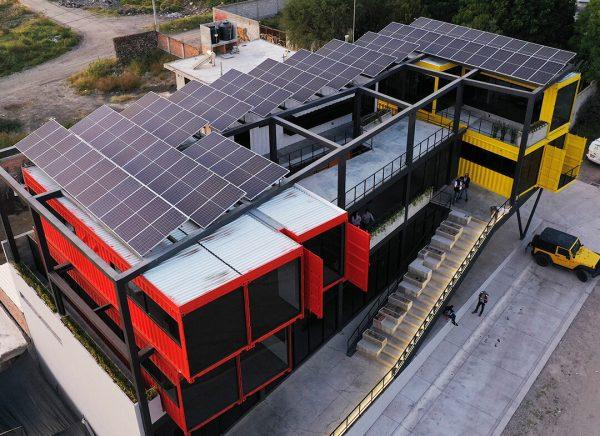 Instalación de Paneles Solares en oficinas en plaza Nuu Querétaro